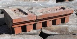This large batch of pillar design corbelling bricks is in good reclaimed condition.    Available in both headers and stretchers, with corner bricks also available to match. (please see pictures) ...