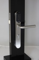 WEL7103 Battery Powered Standalone Keypad / Proximity Euro Handle Lock - GB Locking Systems Ltd