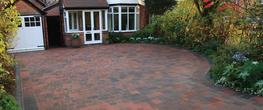 When it comes to giving your driveway a modern and more contemporary appearance, Driveflair definitely has a visual edge.  That's because this block paving incorporates a distinctive pencil edge chamfer to create a sleeker, smoother, cleaner look. While an e...