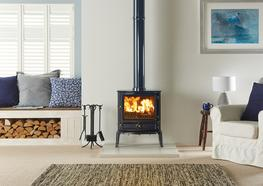 The largest stove in the Stovax Brunel range, the 3CB has an extensive window through which you can take pleasure from the swirling flames of the Stovax Cleanburn System. Again, this wood burning stove incorporates all of Stovax's state-of-the-art technical features such as the stainless steel baffle. Furthermore, with full multi-fuel capability and external riddling, the Brunel 3CB stove generates up to 7kW of heat for you to enjoy.