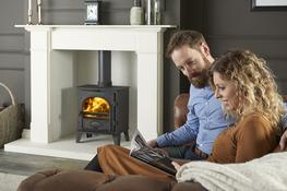 The Stovax Stockton 5 stove offers you a squarer landscape style compared to the portrait style of the Stockton 3 or Stockton 4, and is available as either a wood burning stove or as a multi-fuel model with external riddling. The additional width allows you to load up to 13″ (330mm) in length. Both wood burning and multi-fuel versions are available with a low canopy.  The Stockton 5 model is available as a gas stove.