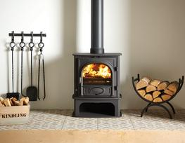 As an alternative to the standard Stovax Stockton 5 stove, you can choose the Stockton 5 Midline wood burning and multi-fuel version. This design offers a slightly more integrated, contemporary slant that is particularly suited to modern interiors yet still pr...