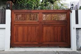 Electric Wooden Gates for Driveways image
