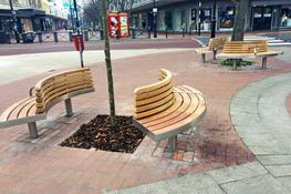 The full Tree seat is designed to provide seating around a tree, column or other central feature. This beautiful timber seat comes complete with a backrest and can be supplied with or without armrests. It is designed to withstand the heaviest town centre treat...