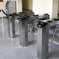 THE IDEAL SOLUTION FOR SELECTING PEDESTRIAN ACCESS IN HIGH FLOW AREAS, ALSO WITH TRANSPONDER CARD CONTROL  Twister Light is the innovative turnstile for selecting transit in high flow areas. Made from stainless steel, it is ideal for railways stations and port...
