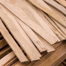 Riven or split oak laths are stronger than sawn or softwood but all provide the ideal background for lime plasters as they can be well wetted which assists the slow drying of the plaster giving a stronger key.  Riven oak laths are split down the grain and are ...