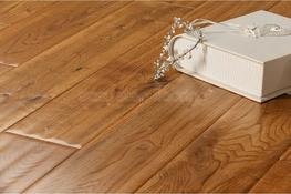 Handscraped Tobacco Oak Solid Wood Flooring image