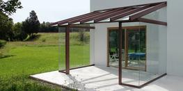 Whether a lightweight roof terrace or a complex glasshouse - the new Hawaii 40 impresses with its exact construction and maximum transparency. With its exterior statics, Hawaii 40 offers the possibility to construct various roof styles in a shapely design, whi...