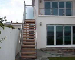 We produce a range of external straight staircase designs which are available in a number of different materials and finishes.