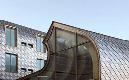 wrightstyle-ltd_large-span-curtain-wall-facades_photo_2_exeter-college-oxford-curved-curtainwall.jpg