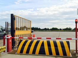 D8400 Automatic Road Blocker - Ultimation Direct Ltd
