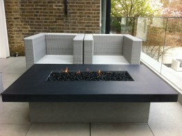 We manufacture and supply a wide range of weatherproof firetables, firepits and firebowls, burning gas, wood or bio-ethanol fuel in a choice of finishes or materials. 