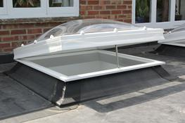 The Em-View incorporates a roof dome and double glazed glass unit securely housed in an insulated flat roof, PVC rooflight frame, providing exceptional sound insulation and thermal value. 