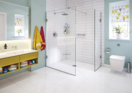 The Aqua-Screen X is a 10mm wetroom glass panel