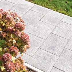 Canterra® Flags - A subtly embossed, closed-face flagstone image