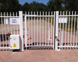 Jacksons Barbican security fencing features welded pale-through-rail construction which means there are no rivets to be forced or palings can not be removed. The horizontal rails are sleeved on to the upright posts with concealed fixings to provide a seamless ...