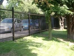 Barbican®with Finials SR1 Fencing image
