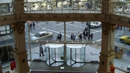 Crystal Tourniket - The All Glass Revolving Door - Boon Edam