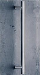 The ASH 123 is a straight tubular pole stainless steel door pull handle with 60 degree offset mounting posts. It is available in a number of diameters, door fixing centres and finishes and comes complete with appropriate fixings to suit your door thickness.
