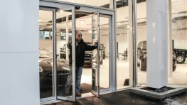 Gilgen SLX Breakout Automatic Sliding Door image