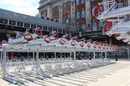 The Easylift+ is a highly convenient, gas-assisted, two-tier bicycle parking system.The lifting system ensures that a bicycle can be parked on the top level effortlessly.
