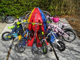 The Minipod bike rack for schools is a fun, colourful and compact cycle storage design which secures 8 bikes and 8 scooters. Available in a range of different colours, the Minipod is ideal for primary schools encouraging cycling and the children love them - Th...