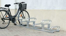 The High low bike rack, 6 bike spaces= 3 high and 3 low, which allows for optimum use of space, access from both sides.  Bike rack 6 spaces= 3 high and 3 low, which allows for optimum use of space, access from both sides.  Stable: may be used freestanding ...