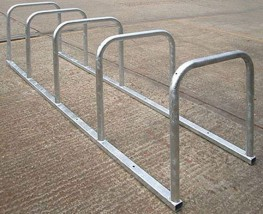 The 10 bike toastrack is an ideal solution for multiple bike parking and is available in modular construction or fully welded. The surface should already be suitable for bolting onto – ideally concrete and level.