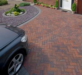 Driveway drainage has been made easier with this high performance and sustainable block paving. Driveline Priora is the perfect permeable alternative to the market leading Driveline 50. Available in six Driveline 50 colours, it retains its classic look but wit...