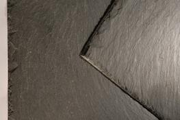 SIGA 39 is an outstandingly successful first selection slate that is flat, uniform and of consistant thickness. It's minimal sorting requirement enables fast paced installation, contributing to its popularity. It's aesthetically pleasing blue grey textured...