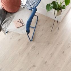 Light Laminate Flooring Wembury Frosted Oak - Woodpecker Flooring