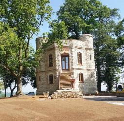 Stoneworld Oxfordshire Ltd Featured on C4 Grand Designs