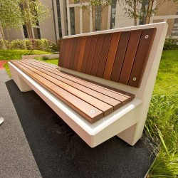 Cast stone and wood are combined in Equal, an element with a linear geometry and ample space for sitting and sharing that emerges from its proportion and balance. Balance in its volumes, which form a seat that shapes the base and emerges as a backrest. Balance...