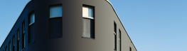 A ventilated rainscreen cladding system with a seamless render finish - and no limit on the lightness value. The StoVentec R system is fixed to the exterior wall with an adjustable aluminium sub-construction. This creates a cavity between the facade and the re...