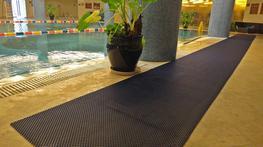 FlexiGrid Non Slip Swimming Pool Mat Rolls image