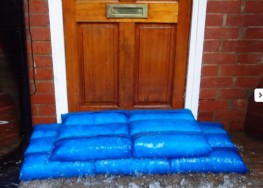 When soaked with water, before installation, each HydroSack absorbs up to 20 litres of water... it lets the water in, but refuses to let the water out, even when punctured and when built into layers! A HydroSack wall produces a highly effective barrier to floo...