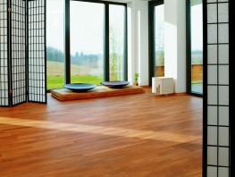 Beech has unique look and a homogenous structure that is highly appreciated in the market. Many people also value a warm glow and with Sylvaket – based on beech - Junckers has created a product that has been vacuum stained to achieve a warm honey brown colou...