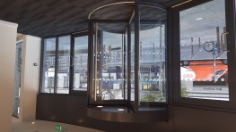 Automatic Security Revolving Door - Semi-external, 3 wings and shutters - Gunnebo