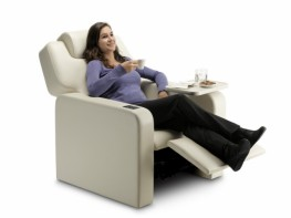 Extremely comfortable, generously proportioned individual seat for use in VIP cinemas or Home Cinema. Elegant, contemporary design. Automatic mechanism which allows the back and footrest to be adjusted by the user. Both movements are controlled by a touch scre...