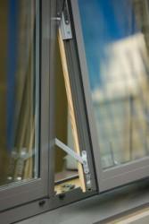 Hybrid Composite Window image