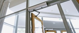 The PowerSwing is a fire-approved electrohydraulic operator designed for external and internal swing doors. Robust and durable, the PowerSwing is suitable for applications requiring heavy doors in high-traffic environments, like hospital corridors and busy ret...