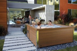 With J-LXL, thanks to 36 adjustable Power Pro® jets, it's possible to enjoy the wellness of a complete Jacuzzi® hydromassage with six seats. It boasts a filtering system with Pro Clear technology and, just like all the other Jacuzzi® spas, it's also pro...