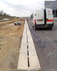 This heavy duty, high capacity surface water drainage system is designed to accommodate all load classes while resolving the problem of standing water. Installation is rapid and economical with no concrete surround required. 