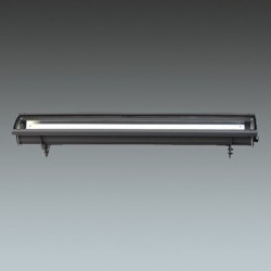 Slim linear fluorescent luminaire providing 'close off-set' façade illumination with perfect uniformity