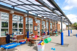 Consisting of an asymmetrical curve, the mono pitch design is ideal for creating covered spaces alongside existing buildings. This canopy is available in linear or curved in plan designs....