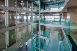Contraflam® 30 Climaplus is a fire-resistant safety glass, offering effective radiant heat reduction. It contains an interlayer that becomes opaque in the event of fire and acts as a heat shield, insulating against the fire for 30 minutes. Contraflam® 30 Cli...