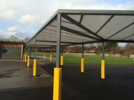 The Grange Free Standing Mono Pitch is perfect for areas where a canopy structure cannot be fixed to a wall. Using the same roof system as The Coniston, which includes a 35mm polycarbonate roof panels and a fully aluminium roof frame, the Grange roof offers a ...