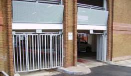 BiFold Gates image