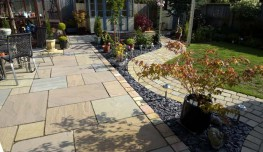 The Elite Tumbled Sandstone paving range delivers an instant aged feel to add warmth to your garden. Create more interest to your design with matching Circles and Setts to provide the perfect entertaining space.Mixed size paving patio pack.Mixed size Setts....
