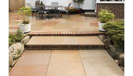 brett-landscaping_flamed-sandstone_photo_1_1.jpg